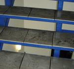 Im Treppenhaus bleibt meist viel Dreck liegen...